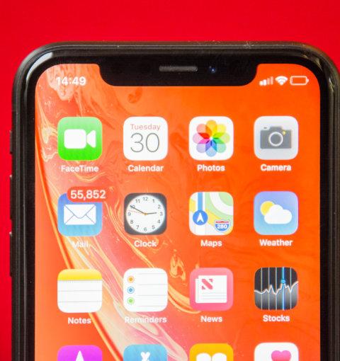 iPhone XR с iOS 12