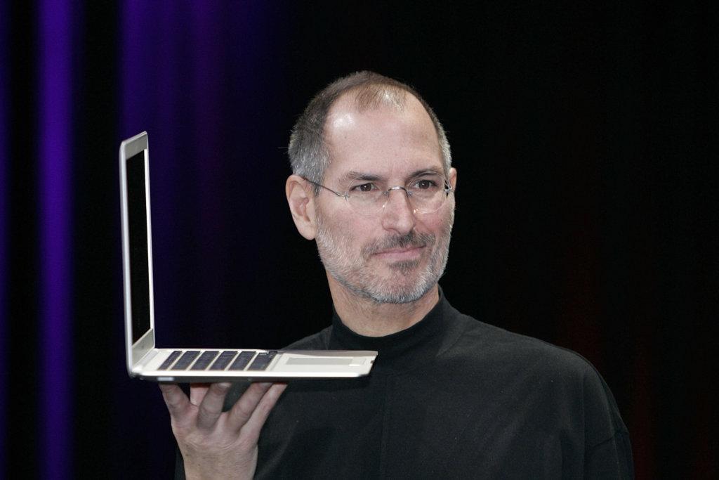 Стив Джобс и MacBook