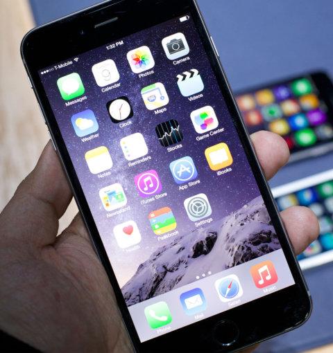 iPhone 6 Plus с iOS 8