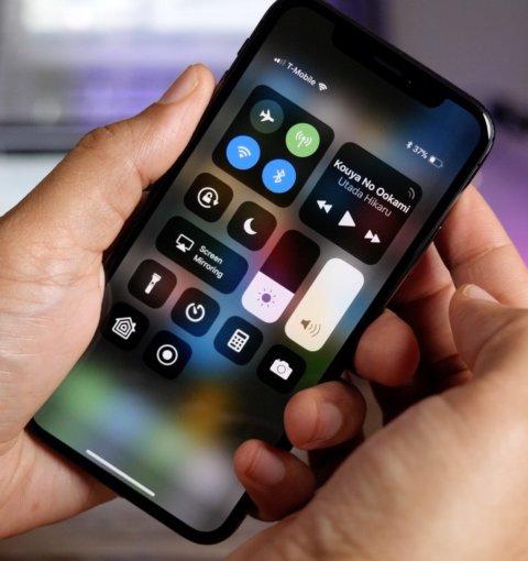 iPhone X с iOS 11