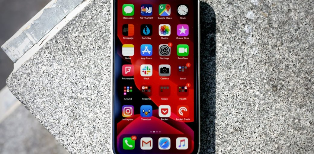 iPhone XR на iOS 13