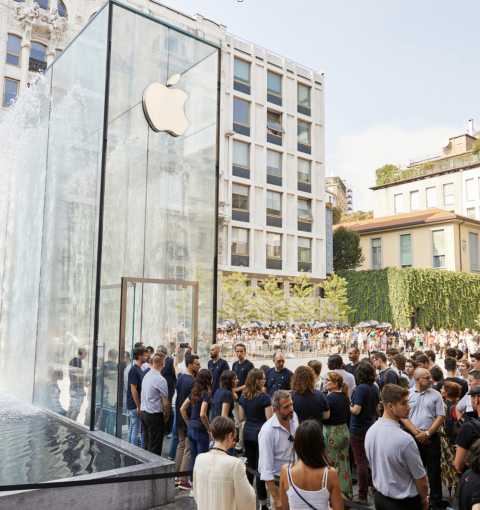 Apple Store в Италии