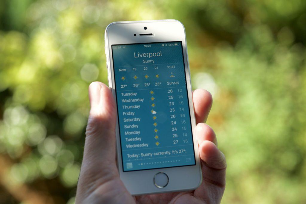 Приложение Погода на iPhone