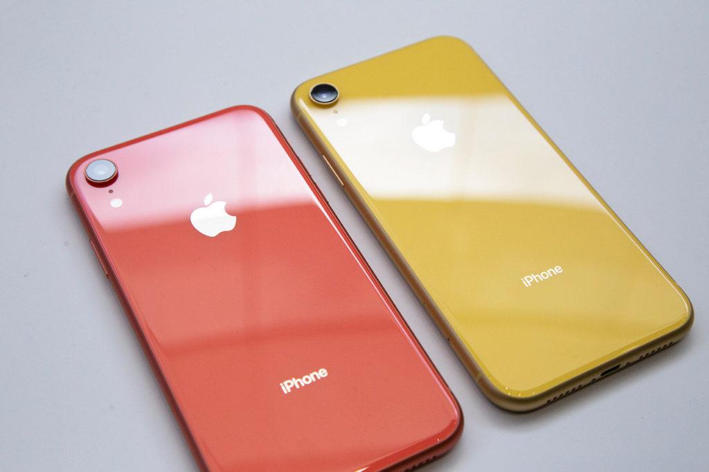 Два iPhone XR