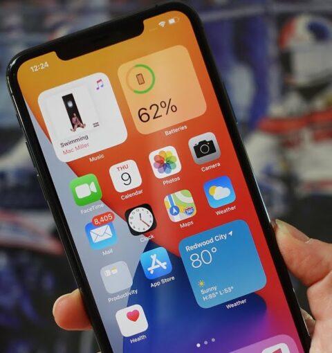 iPhone с iOS 14