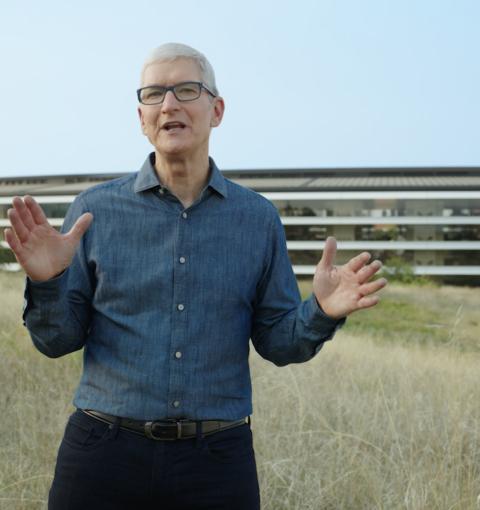 Тим Кук на презентации Apple 18 октября 2021 года